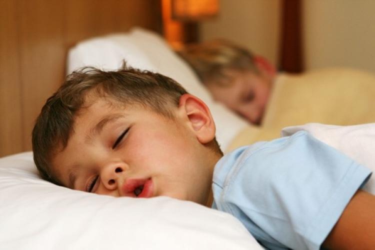 Las vacaciones no solo ayudan a descansar, sino hace que niños crezcan más: Unam