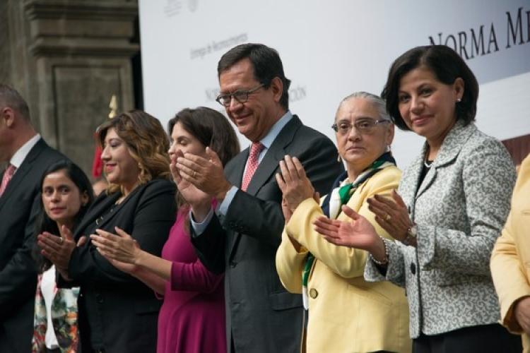 Reconocen a centros de trabajo mexicanos por promover la igualdad de género en sus trabajadores.