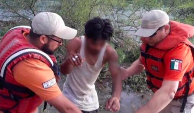 INM rescata a mexicano en aguas del Río Bravo
