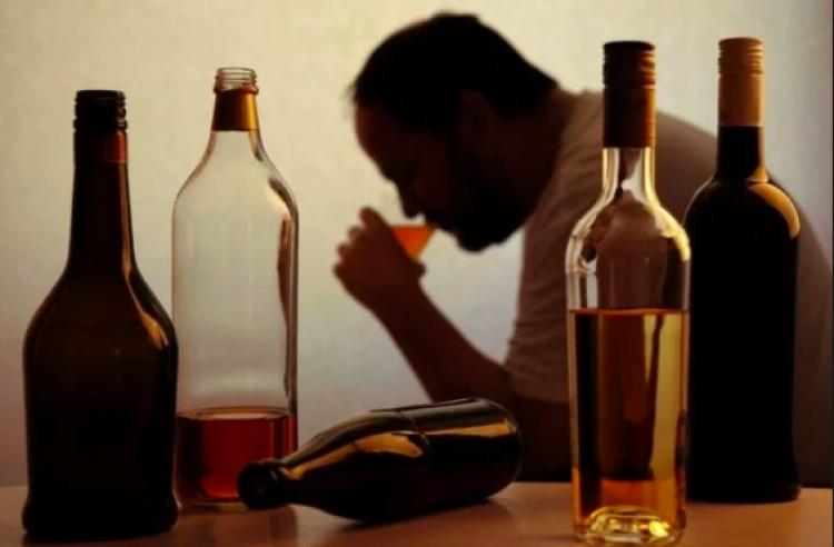 En México se empieza a consumir alcohol desde los 10 años: Conadic