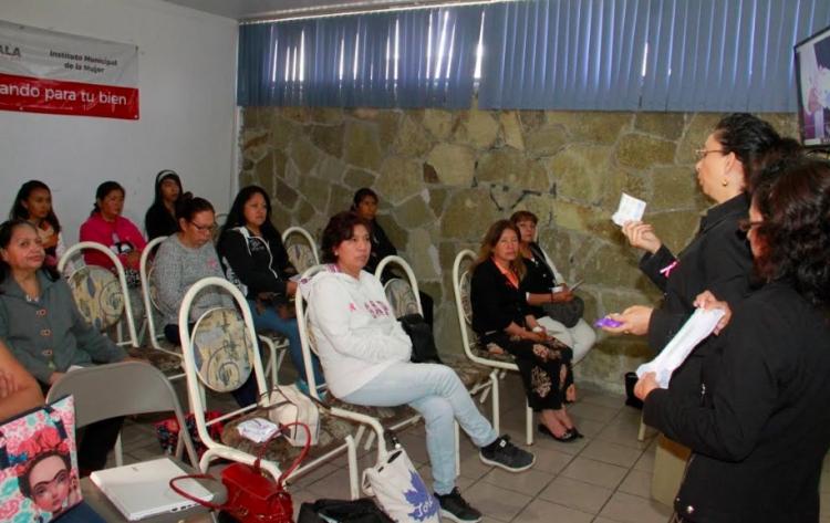 IMM impartió pláticas de prevenció del cáncer de mama