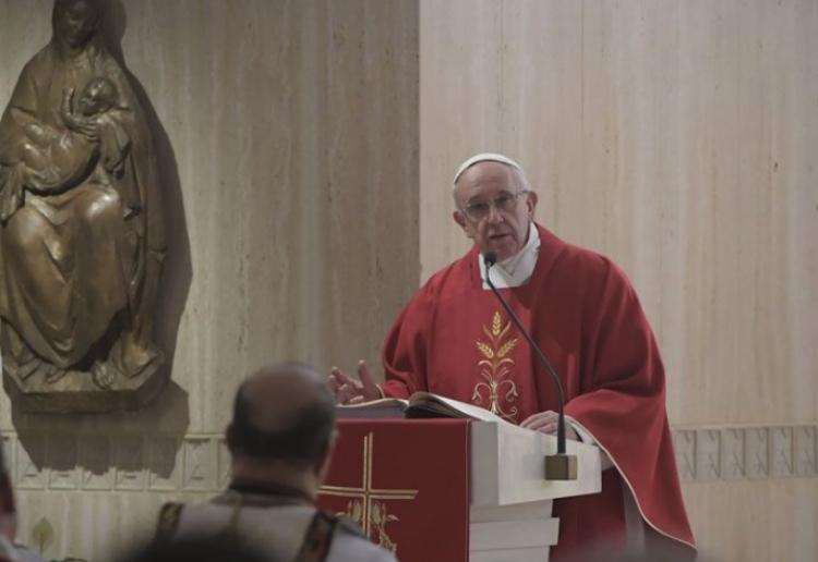 Papa recibe mensaje de AMLO y avala colaborar con su gobierno