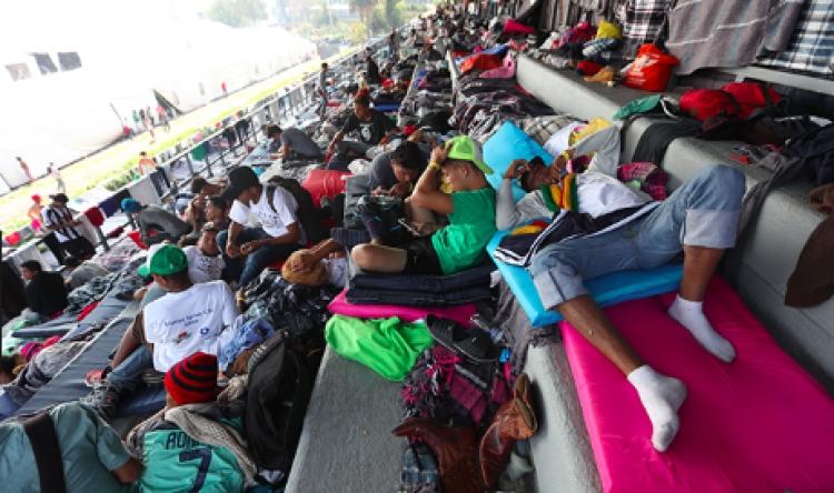 Migrantes esperan respuesta de ONU sobre camiones