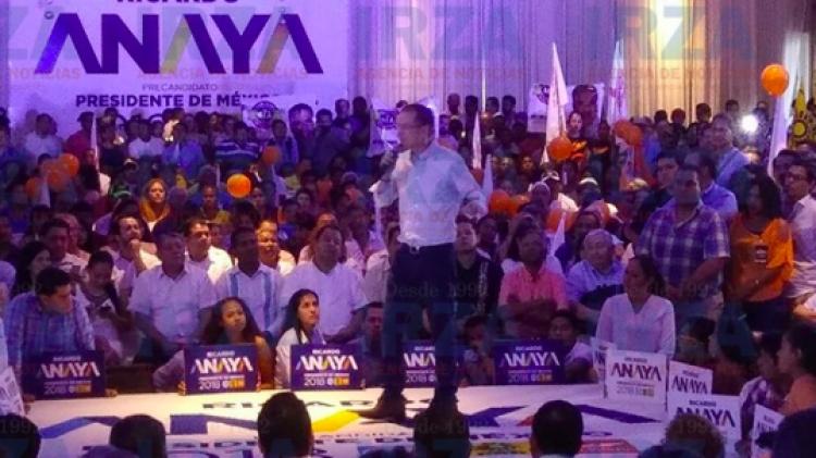 Ricardo Anaya realiza compromisos por Acapulco, Guerrero