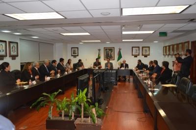 Entrega STPS toma de nota a dirigencia del sindicato nacional del IMSS