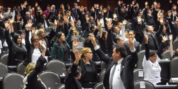 Diputados de Morena crean la Secretaría de Seguridad Pública y la figura de súper delegados