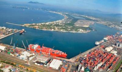 Convenio entre Puertos y Marina Mercante promete mejorar logística en Colima.