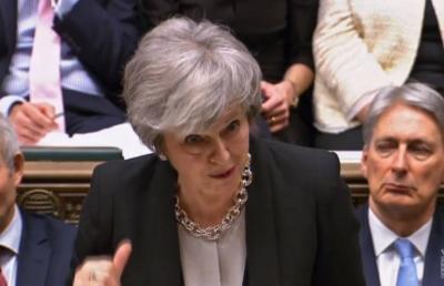 Theresa May busca nueva negociación del Brexit con UE.