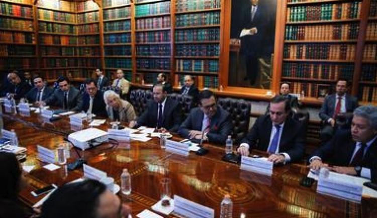 Iniciativa Privada y Gobierno analizan acciones beneficas para la caravana Migrante.