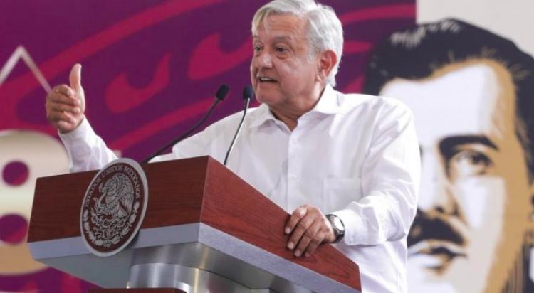 López Obrador llama a trabajadores de PEMEX a rescatar a la industria petrolera nacional