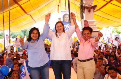 Las necesidades de la Mixteca son urgentes, no pueden esperar: Martha Erika