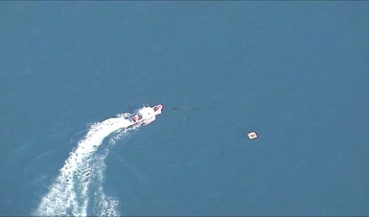 Marina Armada rescata a 4 personas tras caer su avioneta en el mar
