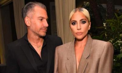 Lady Gaga confirma su compromiso con su agente