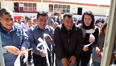 """Alcalde de Zacatlán entrega comedor escolar de Telesecundaria """"Vicente Guerrero"""""""