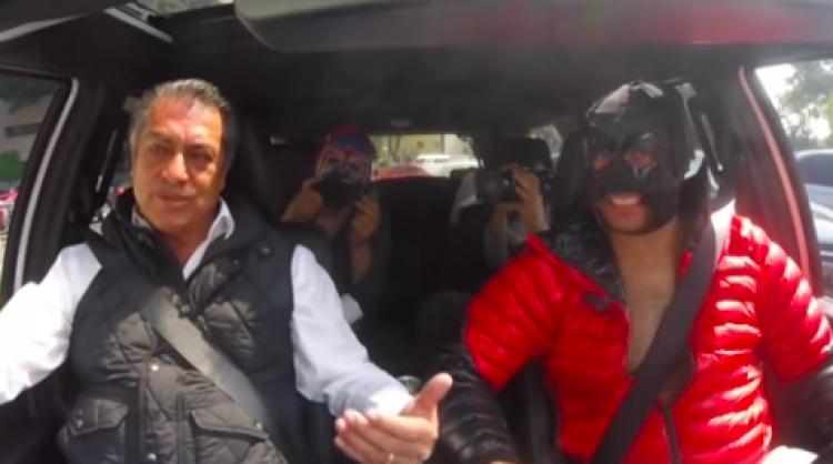 """""""El Bronco"""" vs """"El Escorpión Dorado"""""""