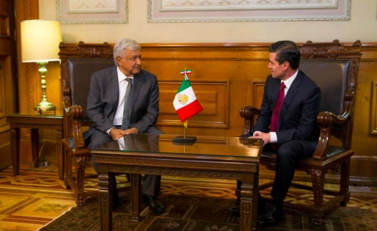 Comienza transición de gobierno en Palacio Nacional