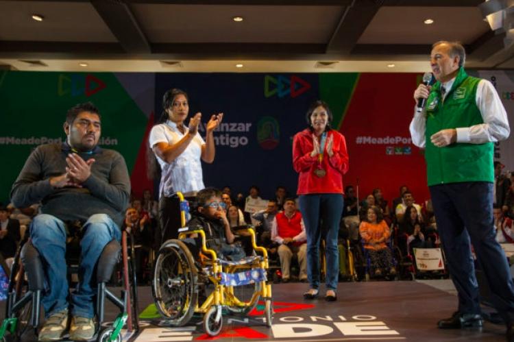 """José Antonio Meade presenta el programa """"Avanzar Contigo en Braille"""""""
