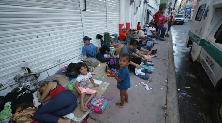 Migrantes Hondureños tomarán un descanso y continuarán el Miércoles