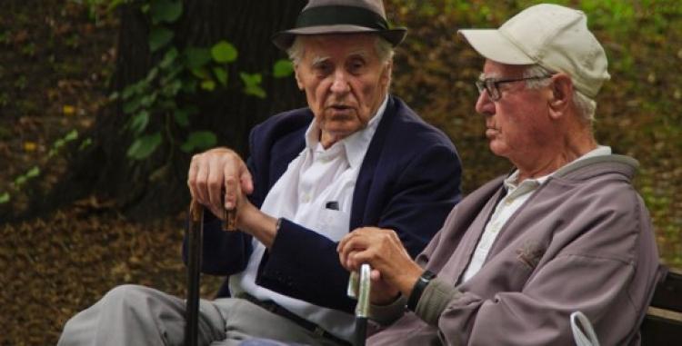 La explotación financiera de los mayores, un problema endémico