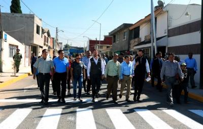 Entregan pavimentación  de vialidades en Granjas de San Isidro