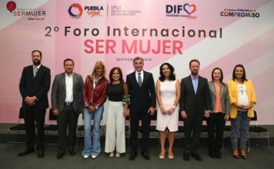 "Clausuran Segundo Foro Internacional ""Ser Mujer"""