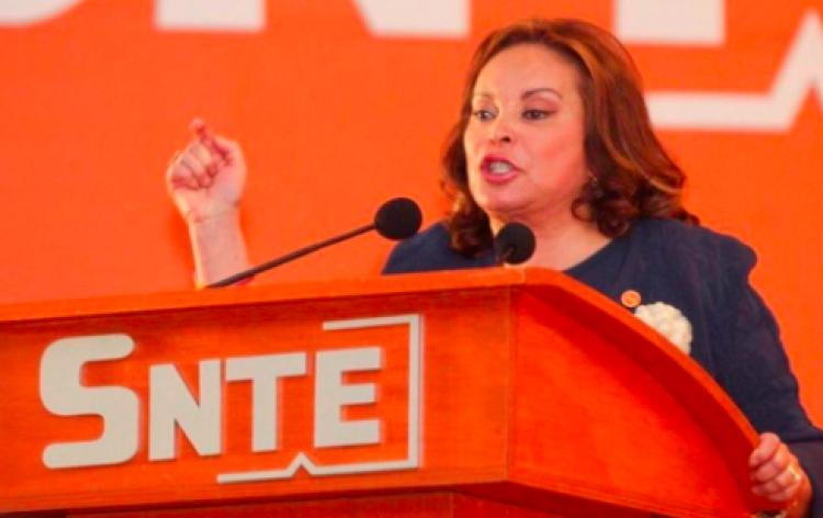 Elba Esther promueve amparo para evitar ser detenida otra vez