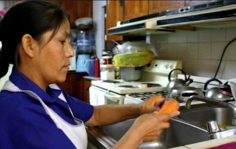 Senado avala seguridad social para trabajadoras del hogar