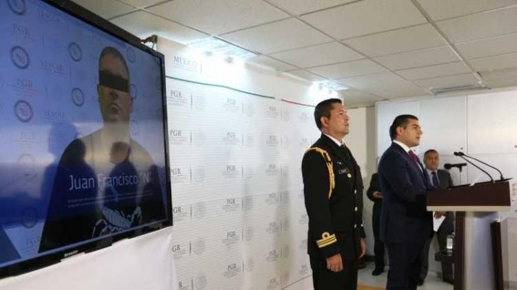 La marina y la PGR detienen a presunto integrante del CJNG