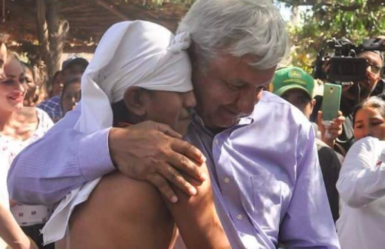 "AMLO rinde ""homenaje"" a Luis Donaldo Colosio"