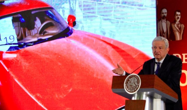 Habrá 3ra subasta de vehículos oficiales; pero ahora de lujo: López Obrador