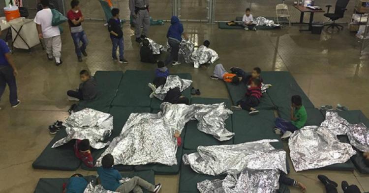 EE.UU. regresa 364 niños indocumentados a sus familias
