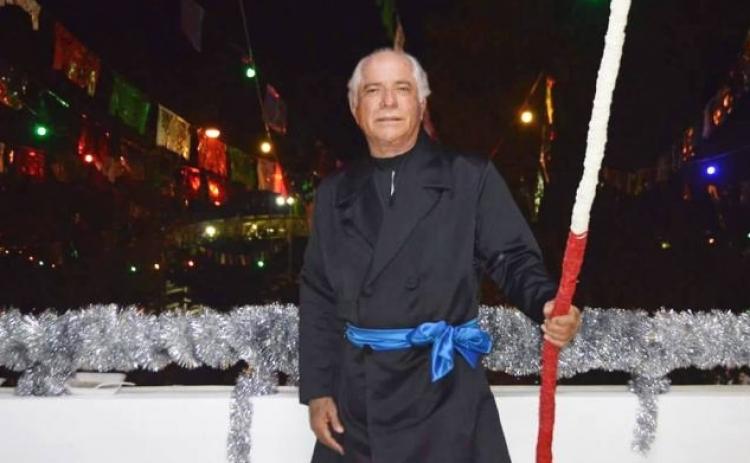 Alcalde se disfraza de Miguel Hidalgo tras dar el grito