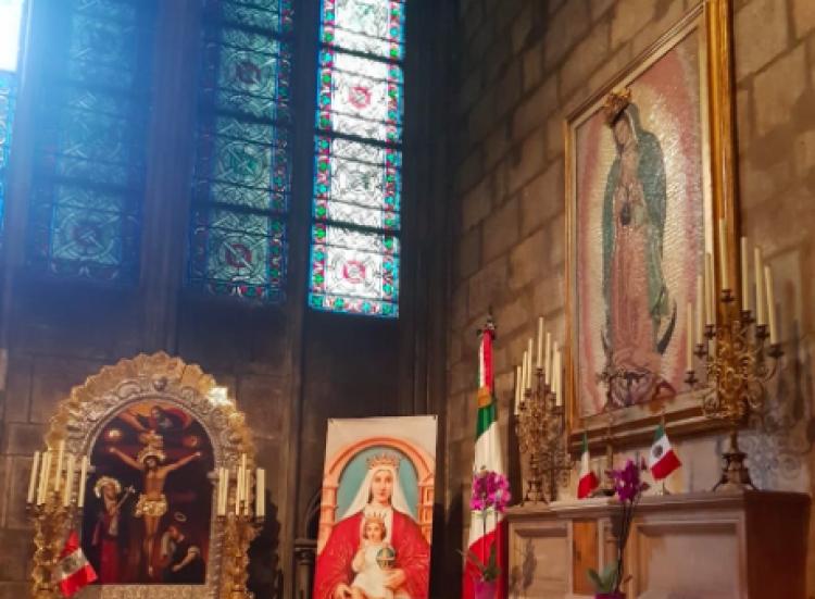 Altar de la virgen de Guadalupe en Notre Dame intacta tras incendio