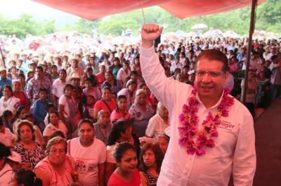 Enrique Doger ofrece apoyo a pueblos indígenas y grupos vulnerables