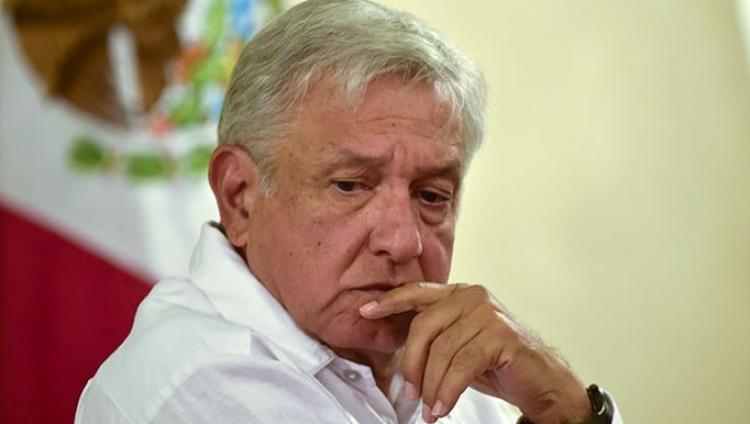 Así lamentó López Obrador trágico incendio en Catedral de Notre Dame, París