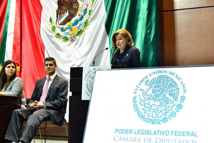 SFP entrega a diputados federale spropuestas para la política nacional anticorrupción.